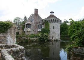 Scotney Castle