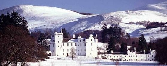 blair_castle_winter_lawsonpr2s