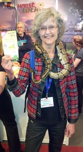 Visit Scotland Expo 2014 Tina met slang klein