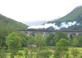 Glenfinnan Viaduct met trein