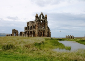 Whitby Priory klein