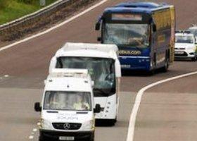 Bus op snelweg
