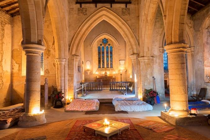 Kamperen In Een Kerkje In Engeland Geen Glamping Maar Champing